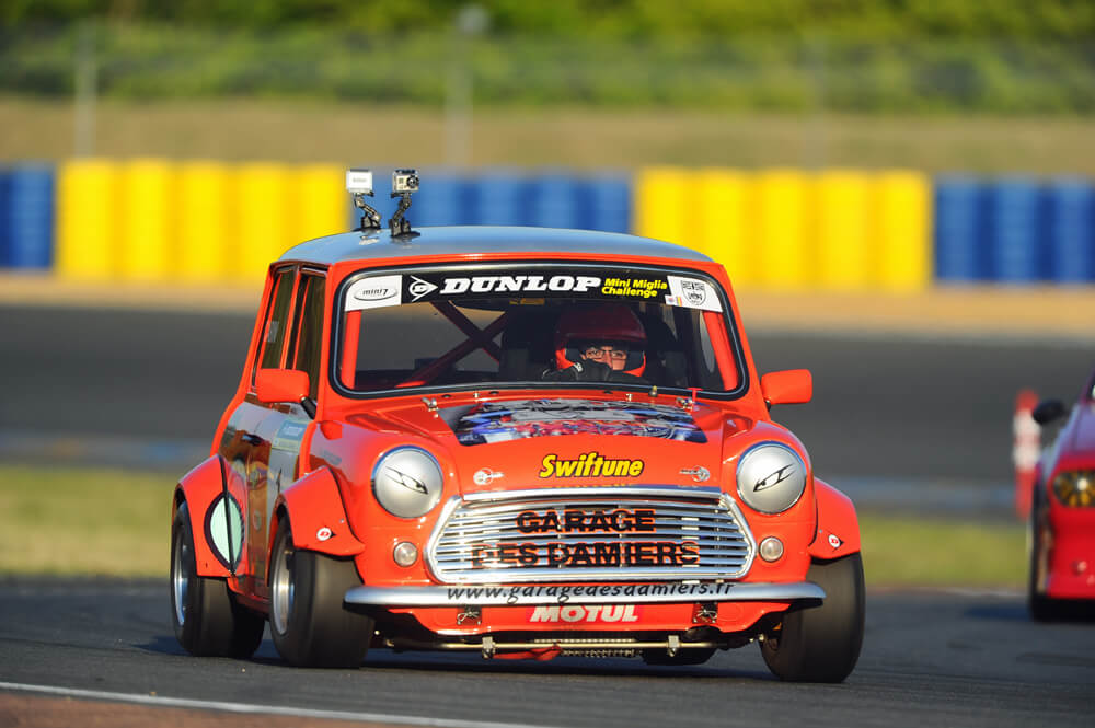Austin Mini Miglia 7 au Trophée Saloon car sur le circuit Bugatti - born to win