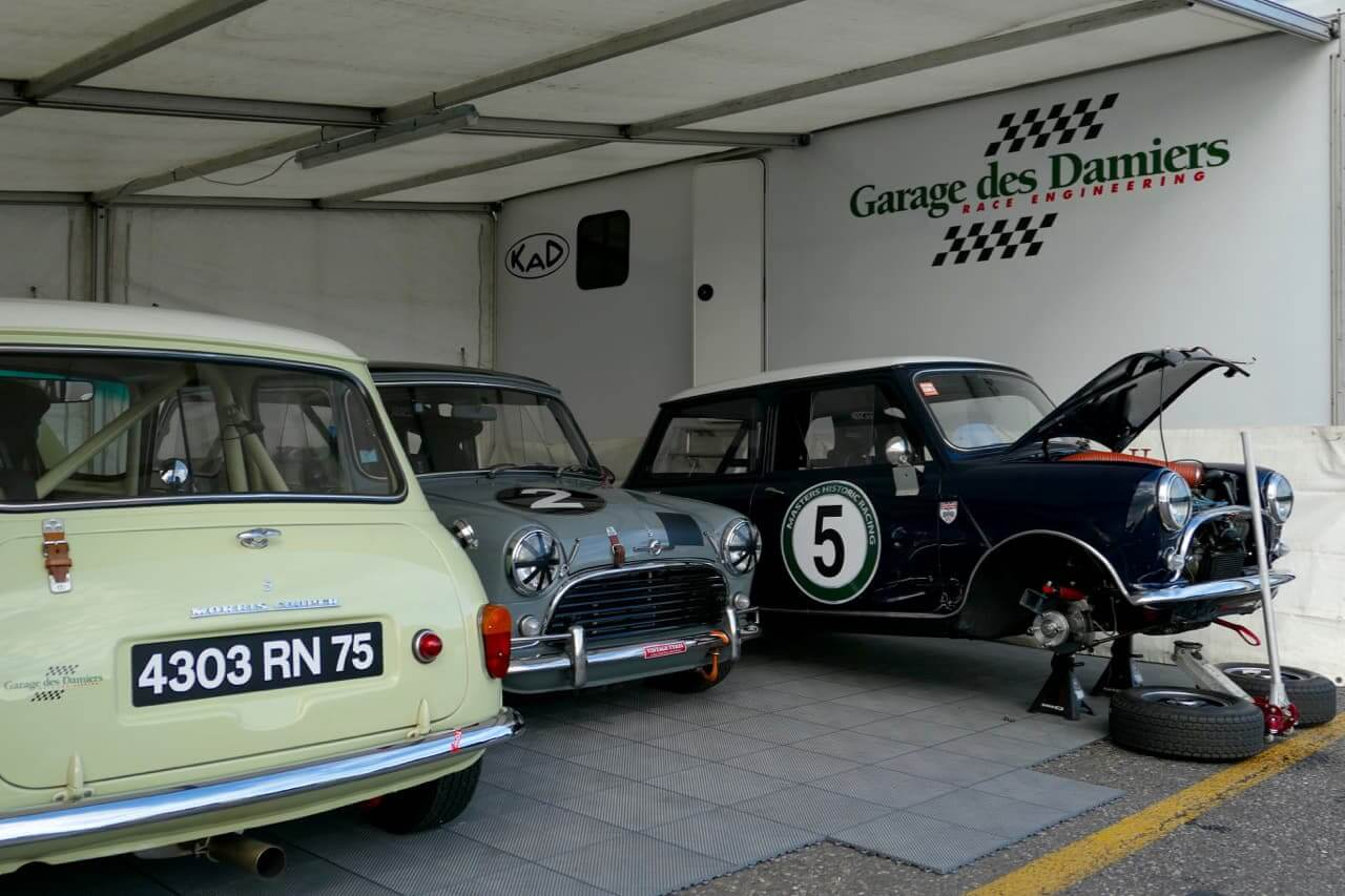 Assistance course automobile avec respect de la réglementation et du cahier des charges