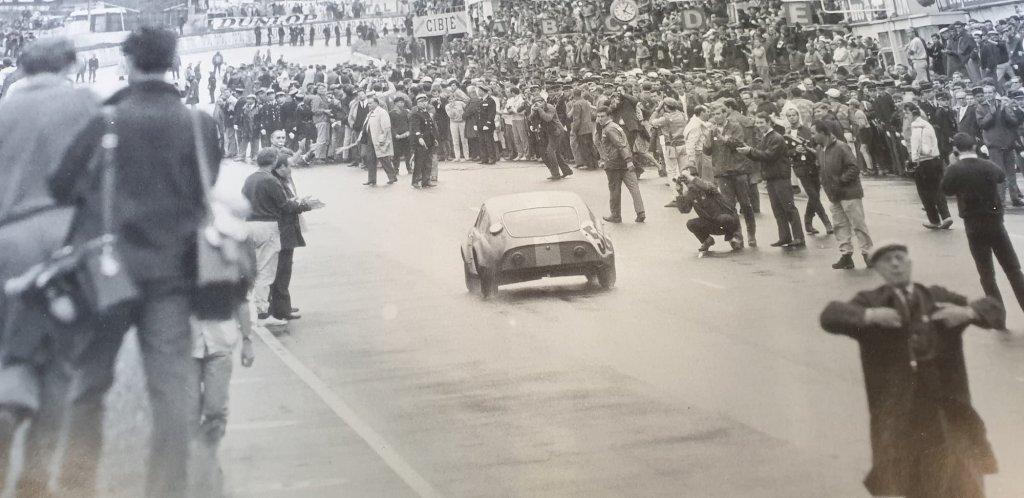 Mini Marcos - Légende emblématique des 24h du Mans