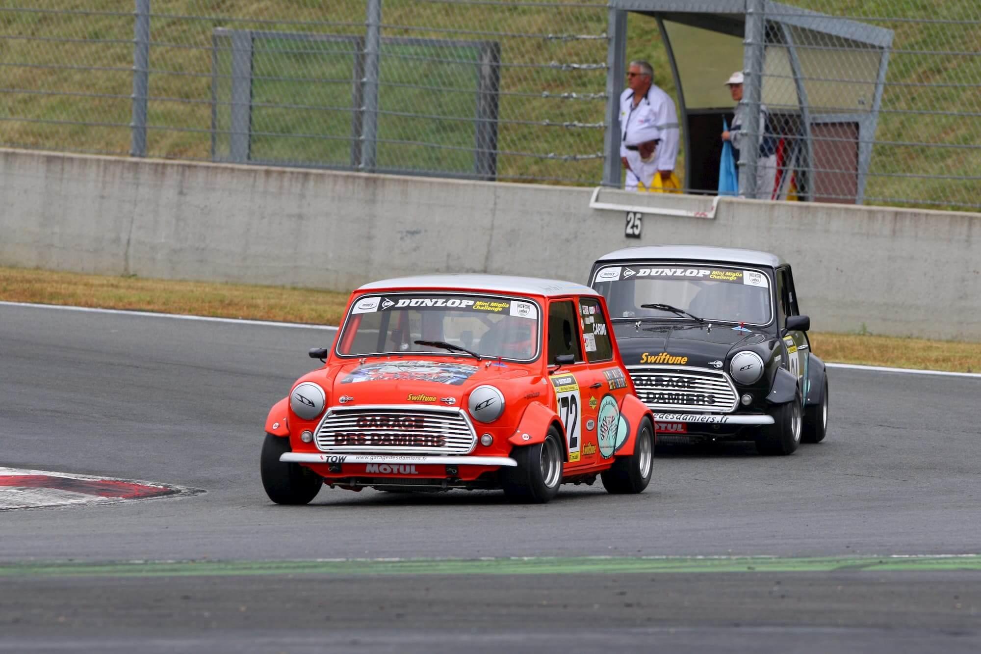 Mini austin - voiture ancienne - car racing