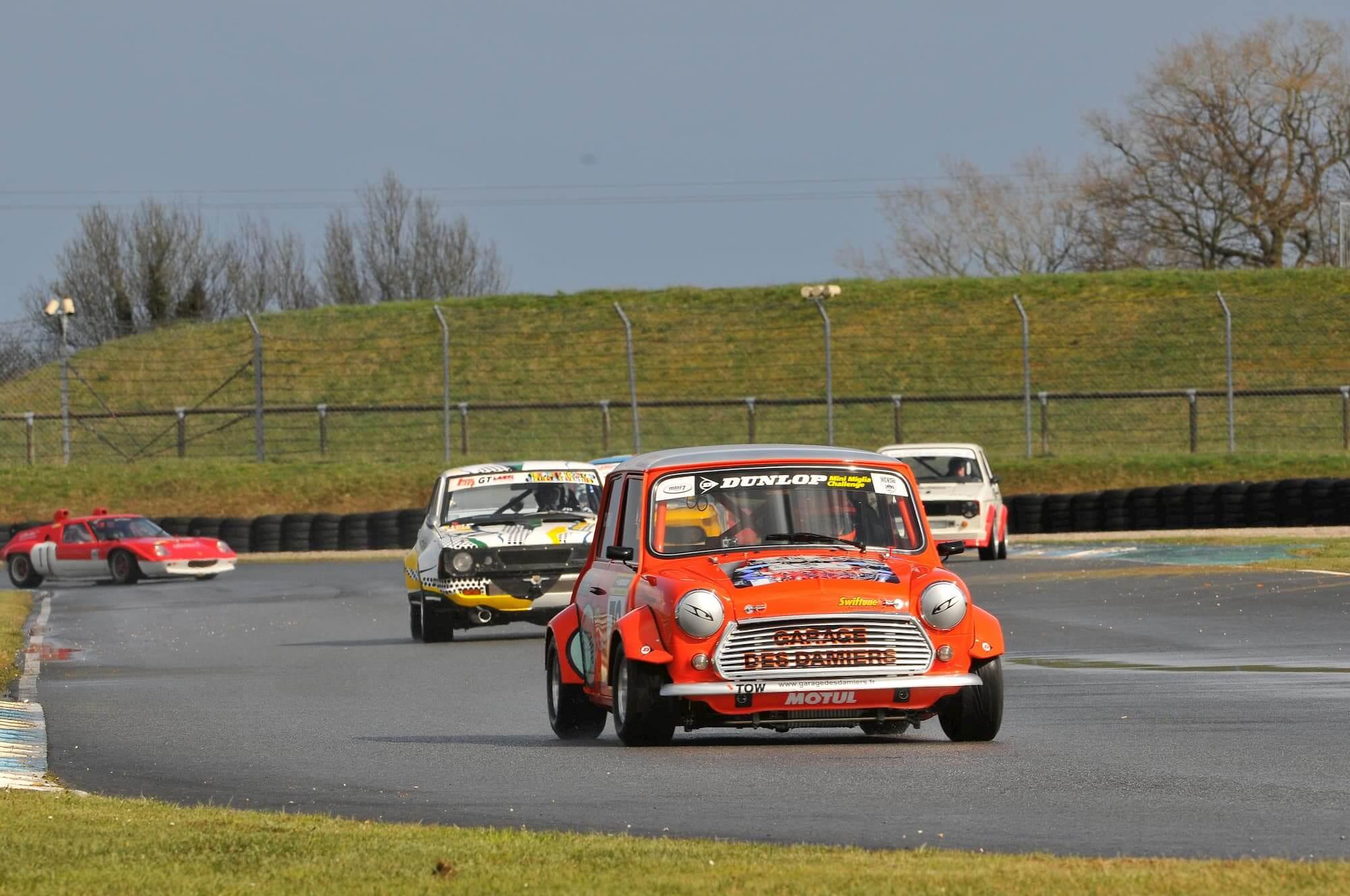 car racing - mini austin - racing club - voiture de course