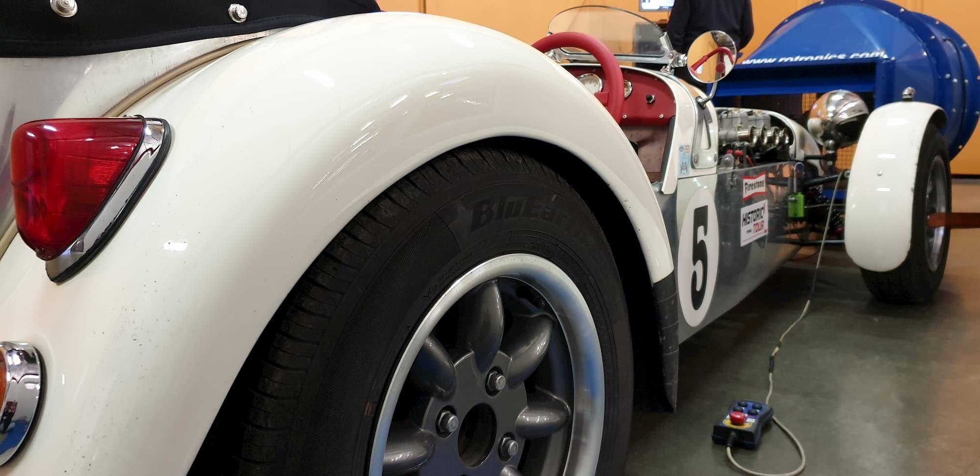 lotus seven - vintage cars - racing engineering - car racing