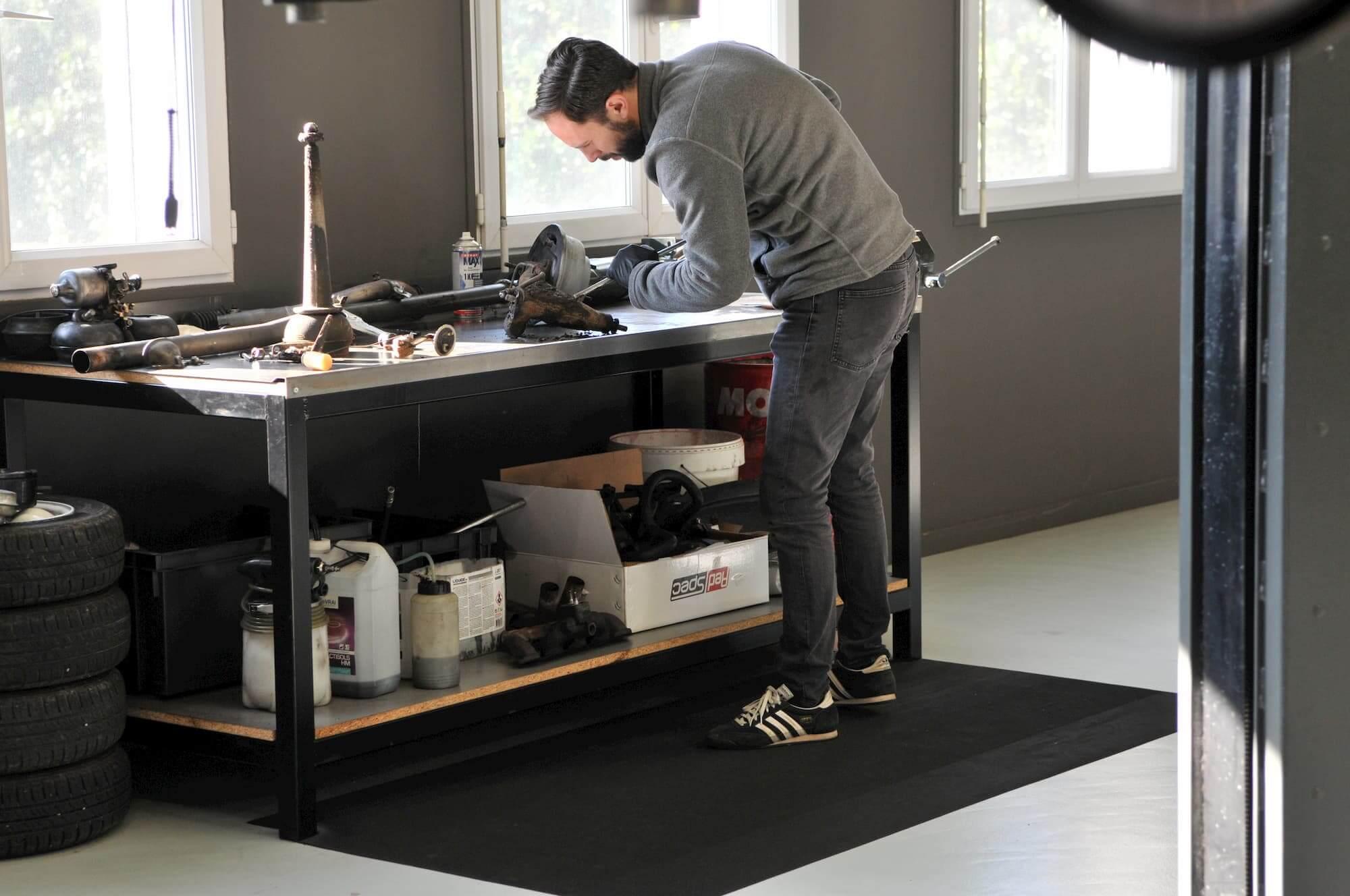 Atelier et restauration mécanique de voiture de collection à Dreux