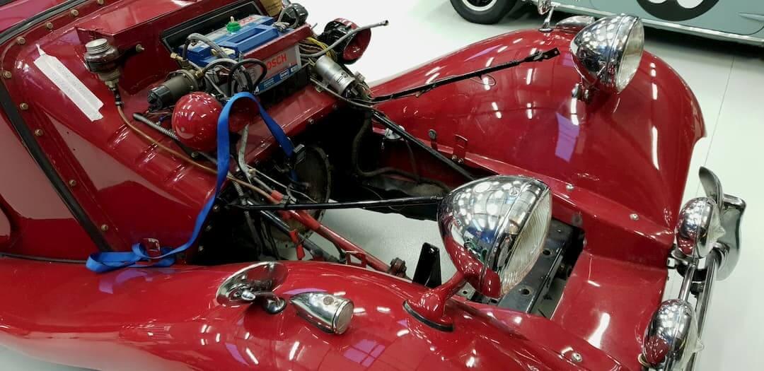 Garage des Damiers - Réfection moteur de la MG - Old british car