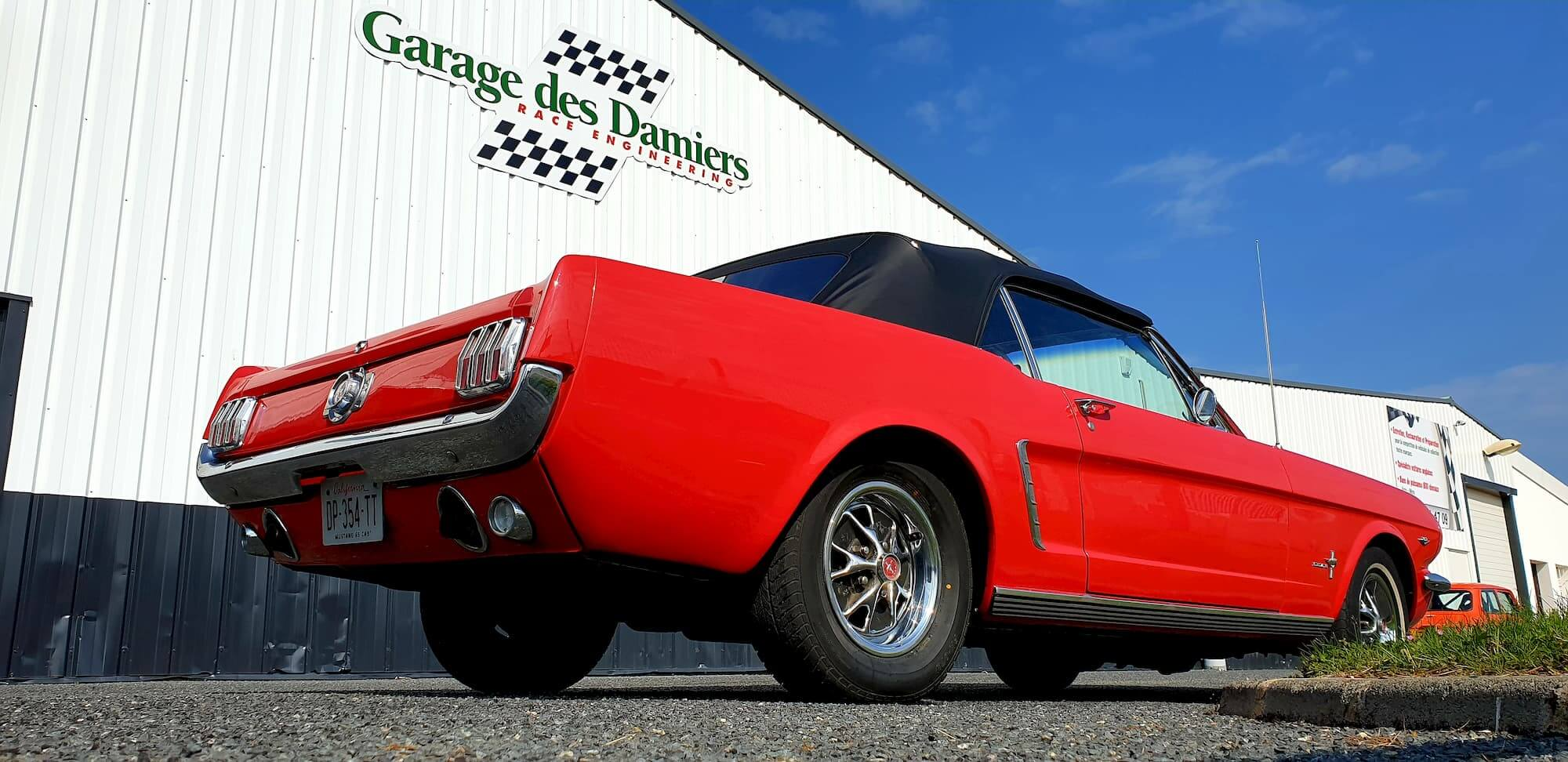 Muscle car - Ford Mustang Garage des Damiers - american cars