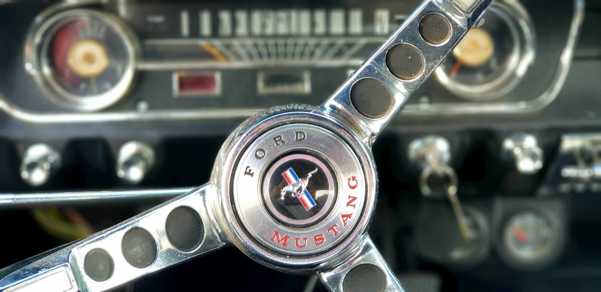 Restauration automobile de voitures américaines - Ford Mustang