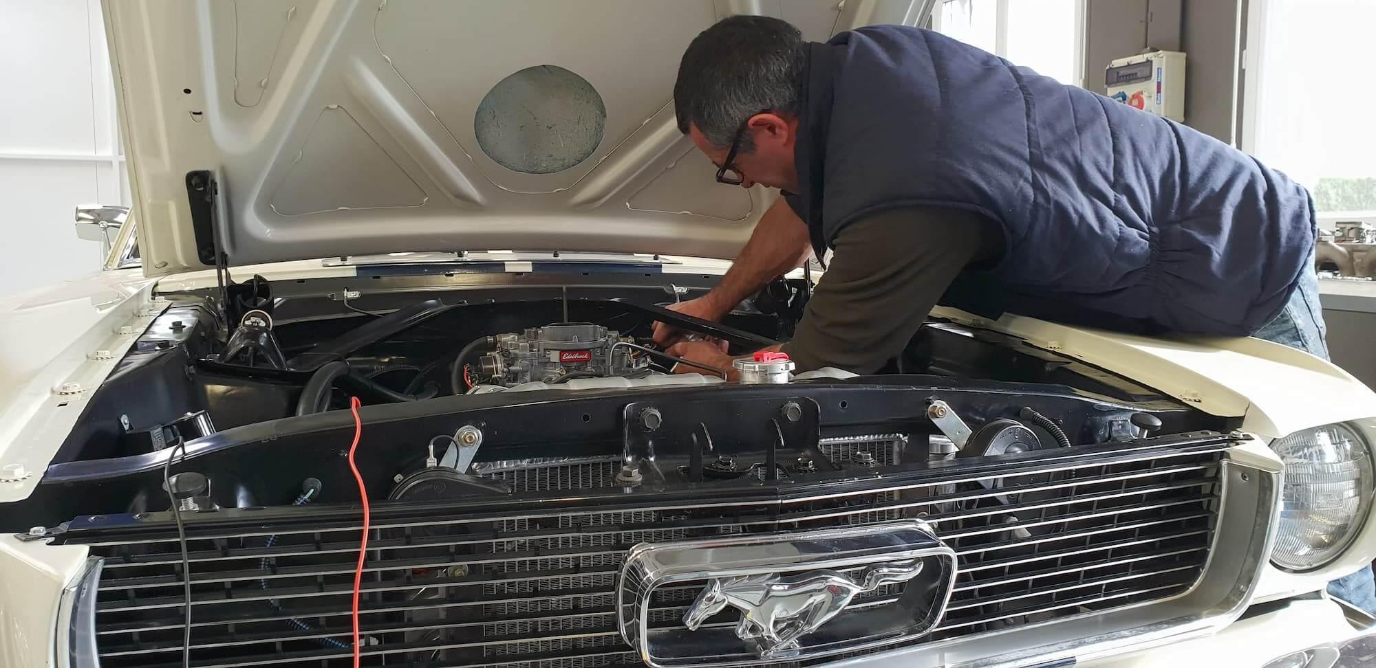 Garage des Damiers - Restauration voiture ancienne - Ford mustang