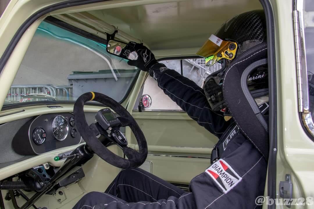 Grégory Carini en préparation avant la course - Historic Tour Le Mans 2018