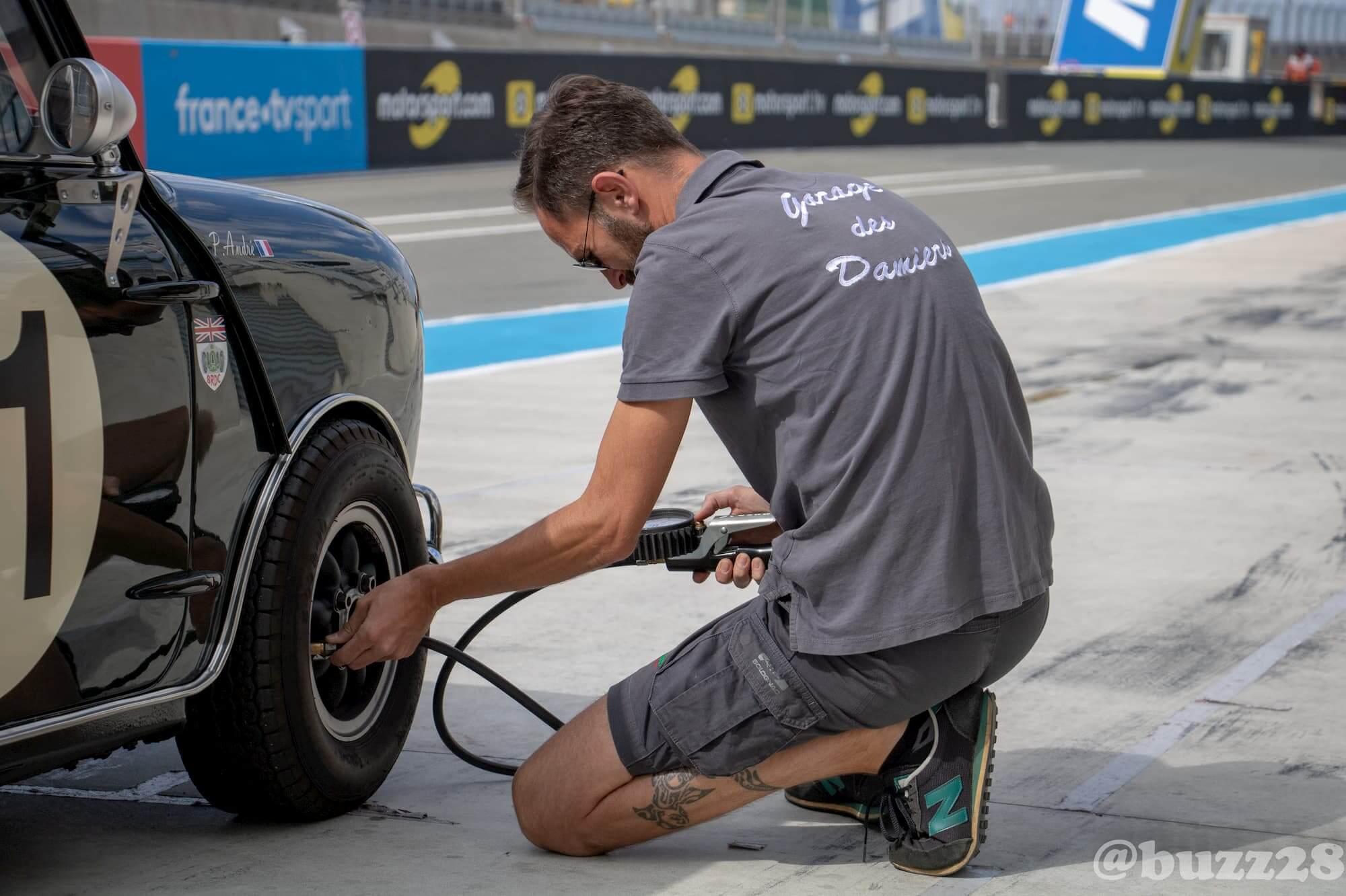 Garage des Damiers - Assistance Le Mans Classic - Mini Austin born to win