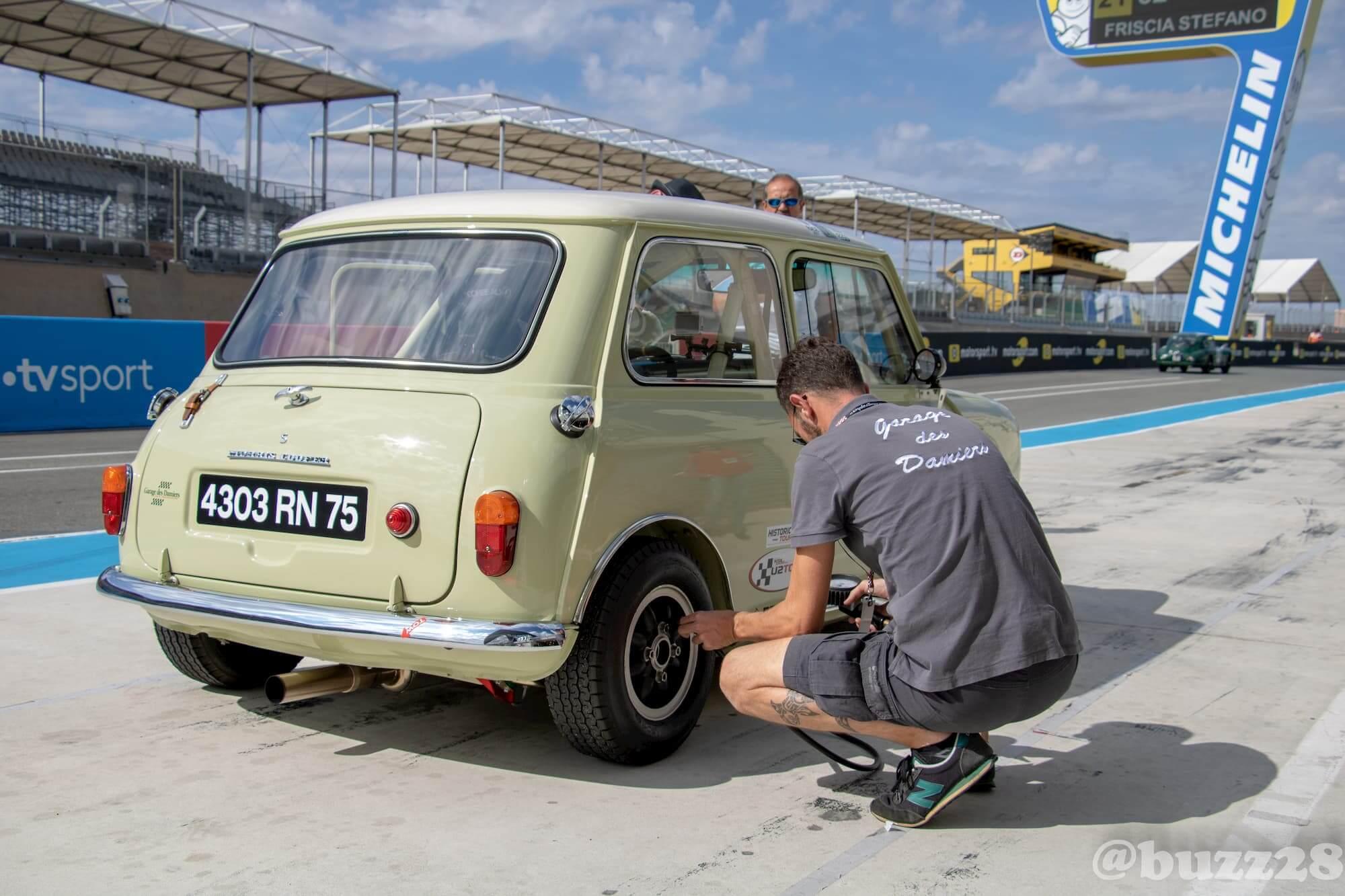 Stand Mini Austin Garage des Damiers - Le Mans 2018 - Car racing