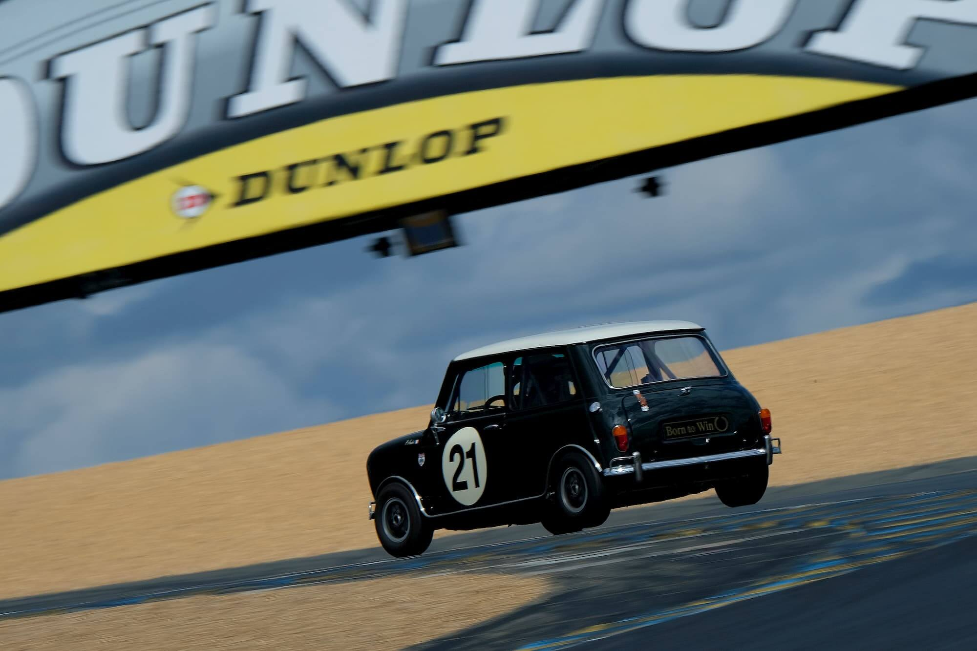 Austin Mini racing car - Garage des Damiers - racing engineering