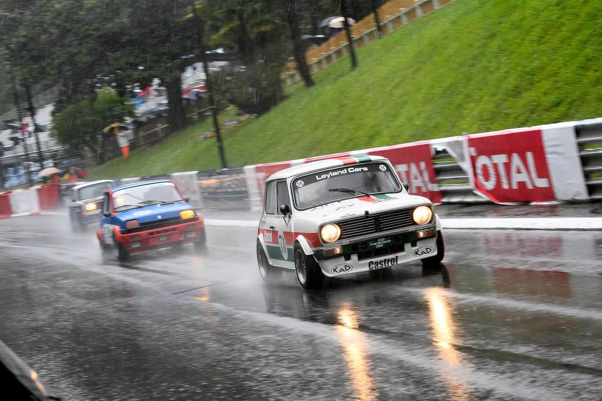 Austin mini 1275 GT - Historic Tour à Pau - Sud de la France