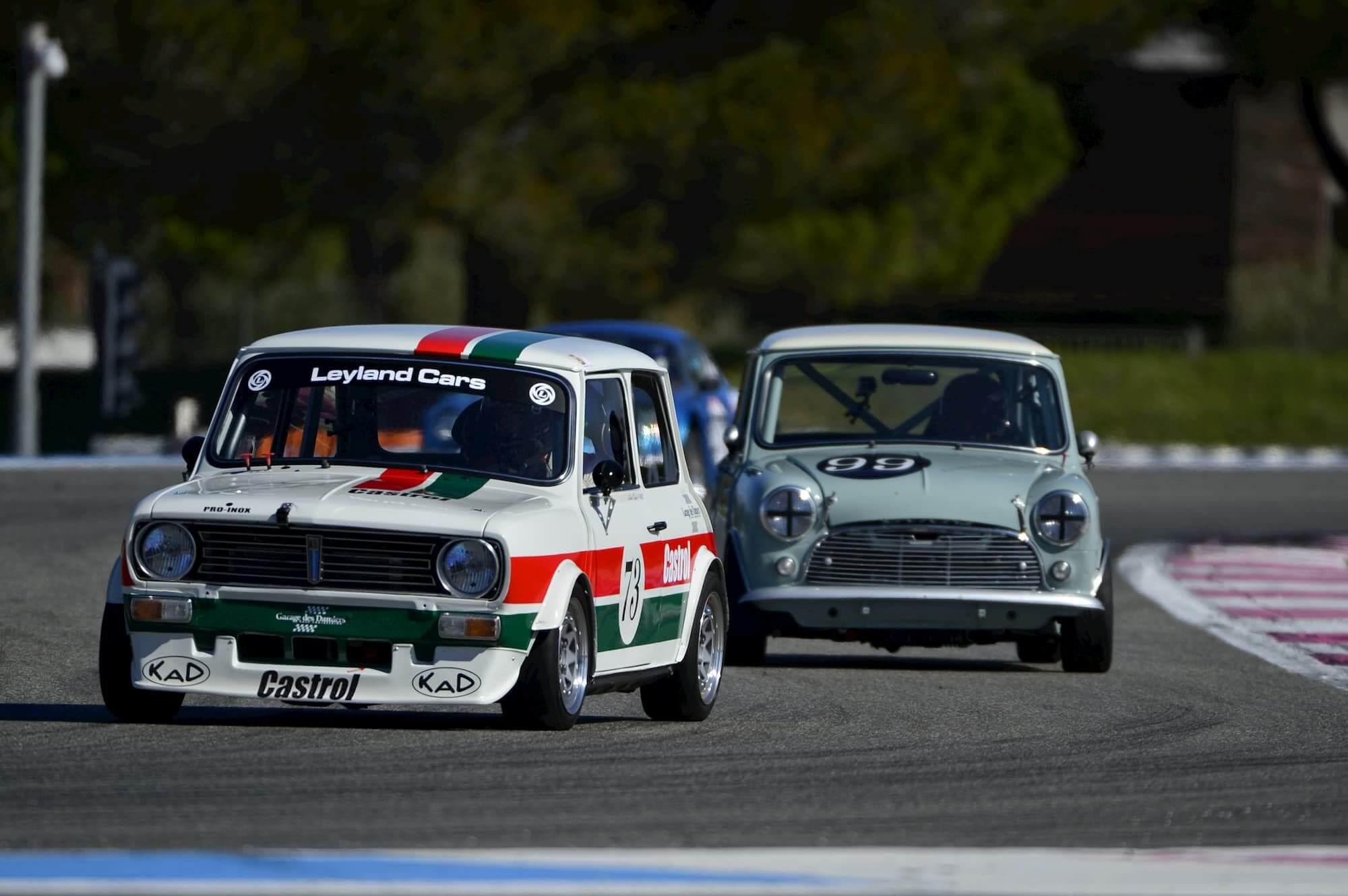 Garage des Damiers Race engineering - Mini Austin sur le circuit Paul Ricard