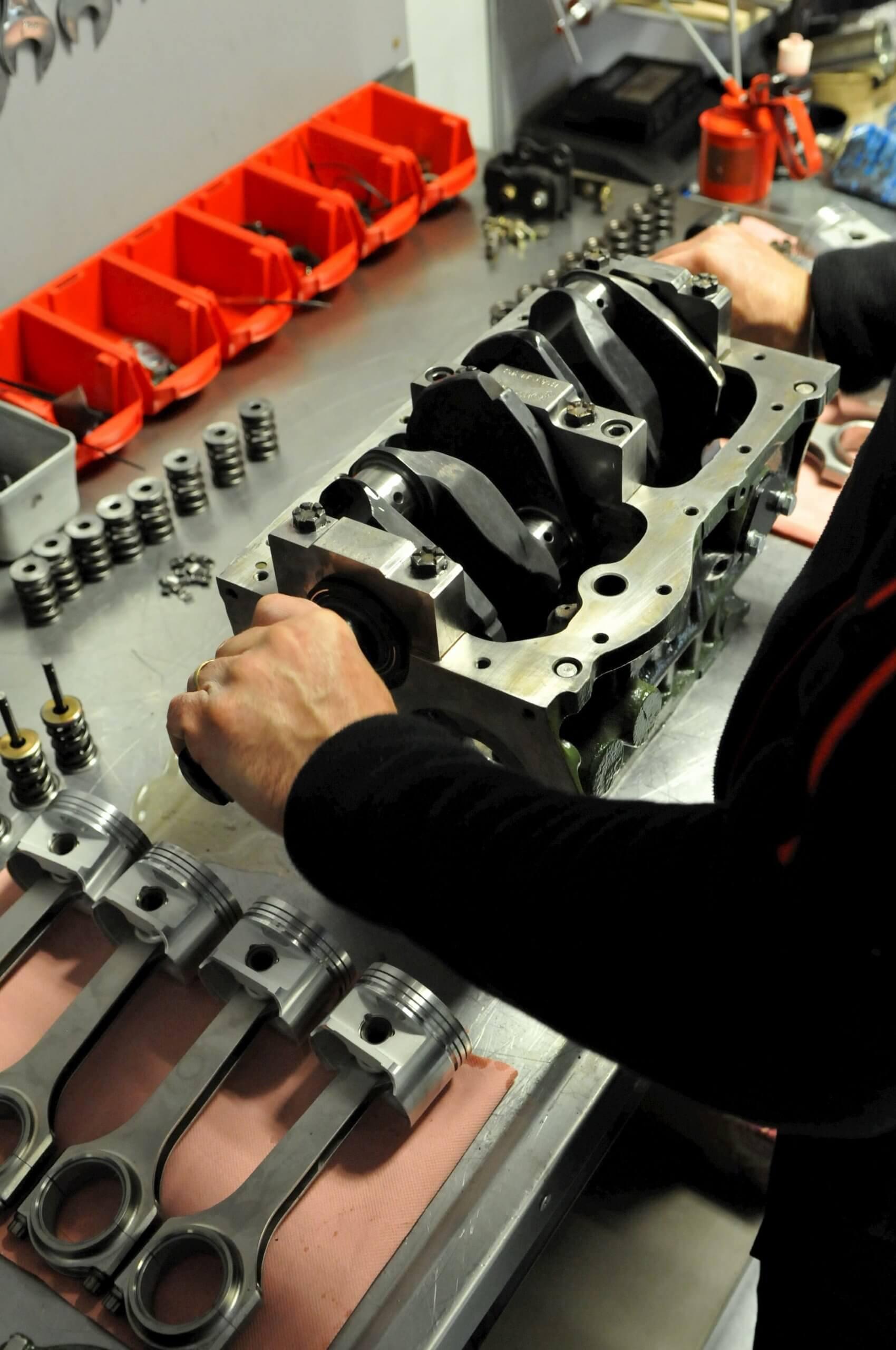 Préparation moteur race engineering au Garage des Damiers à Dreux - Mini austin