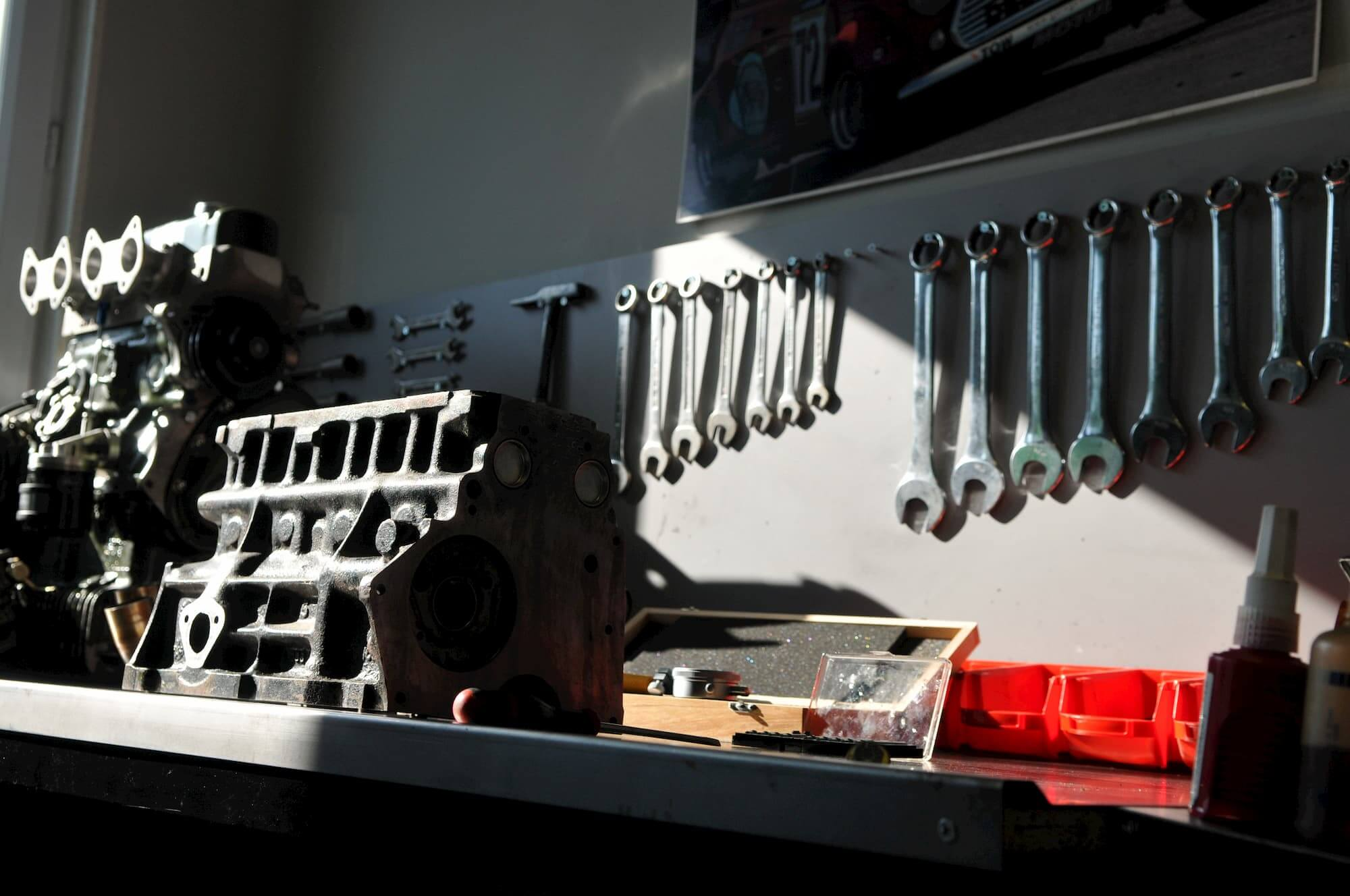 Atelier du Garage des Damiers, spécialiste marques de voitures anglaises