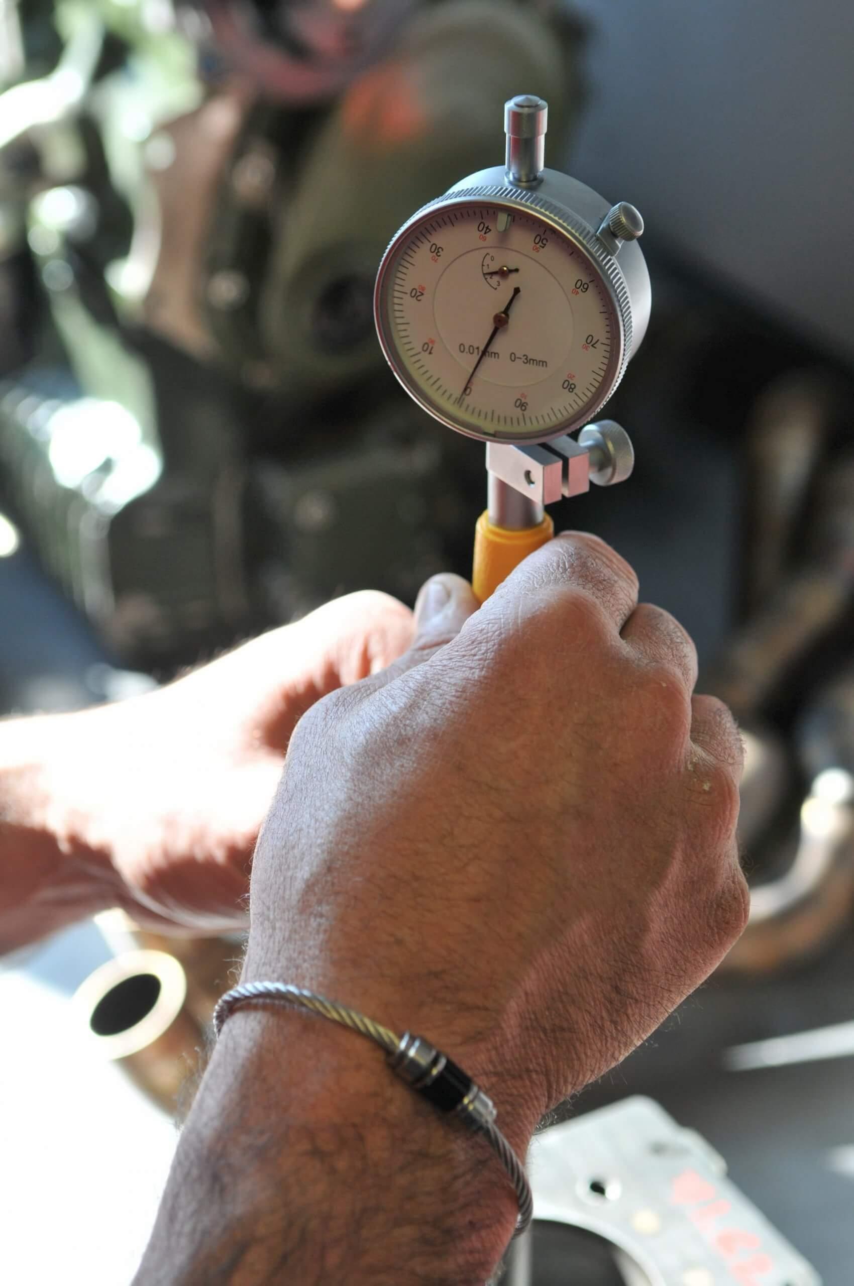 Calcul du volume de chambre de combustion et culasse - Garage des Damiers - race engineering
