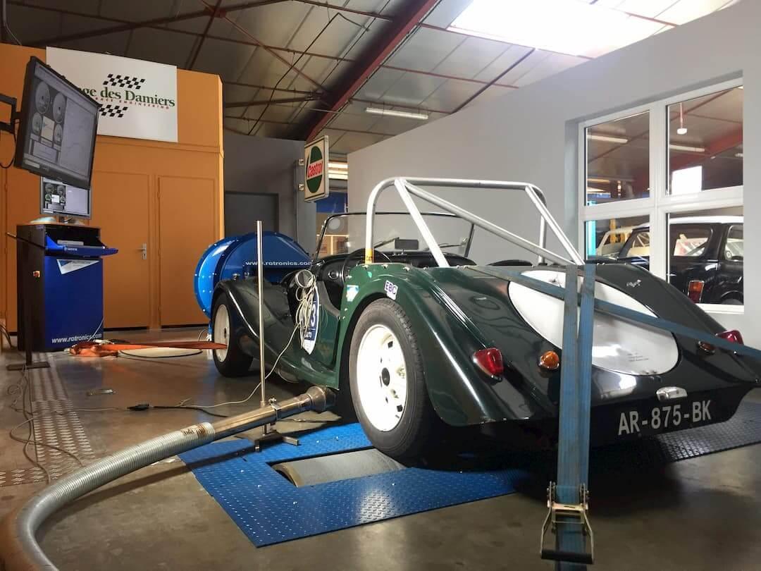 Morgan sur le banc de puissance Rotronics du Garage des Damiers