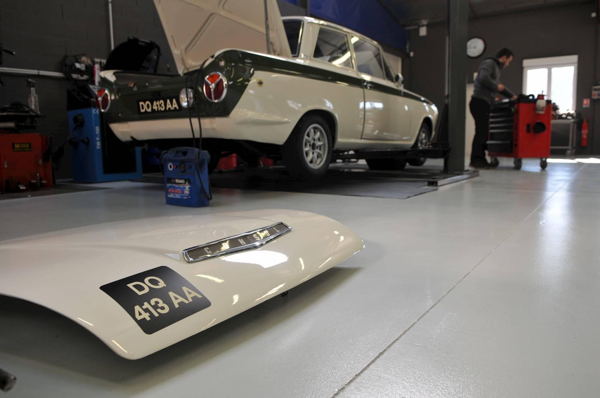 Ford Cortina Lotus au Garage des Damiers - Réfection moteur vintage cars