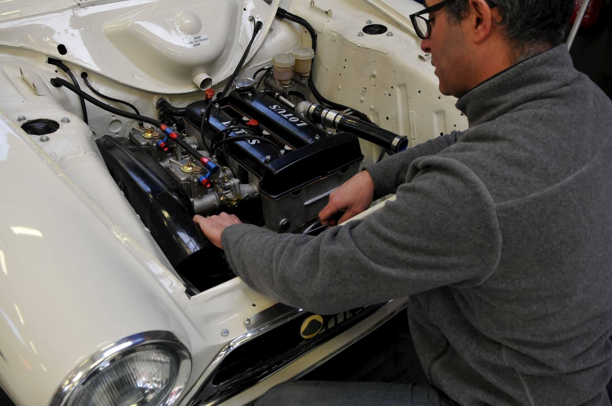 Ford Cortina Lotus, restauration et entretien de voitures de collection et de course