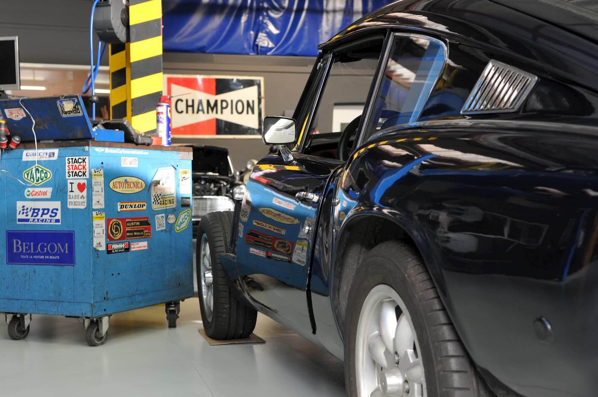 Entretien mécanique Triumph GT6 au Garage des Damiers, spécialiste voitures anglaises