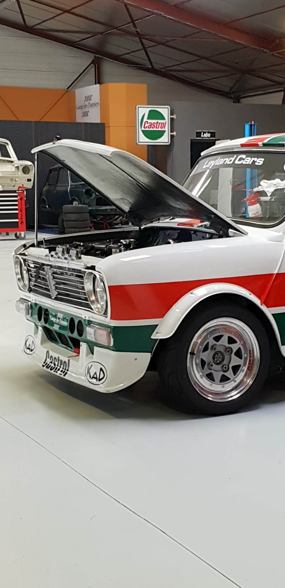 Réfection moteur Mini Austin 1275 GT au Garage des Damiers - Castrol