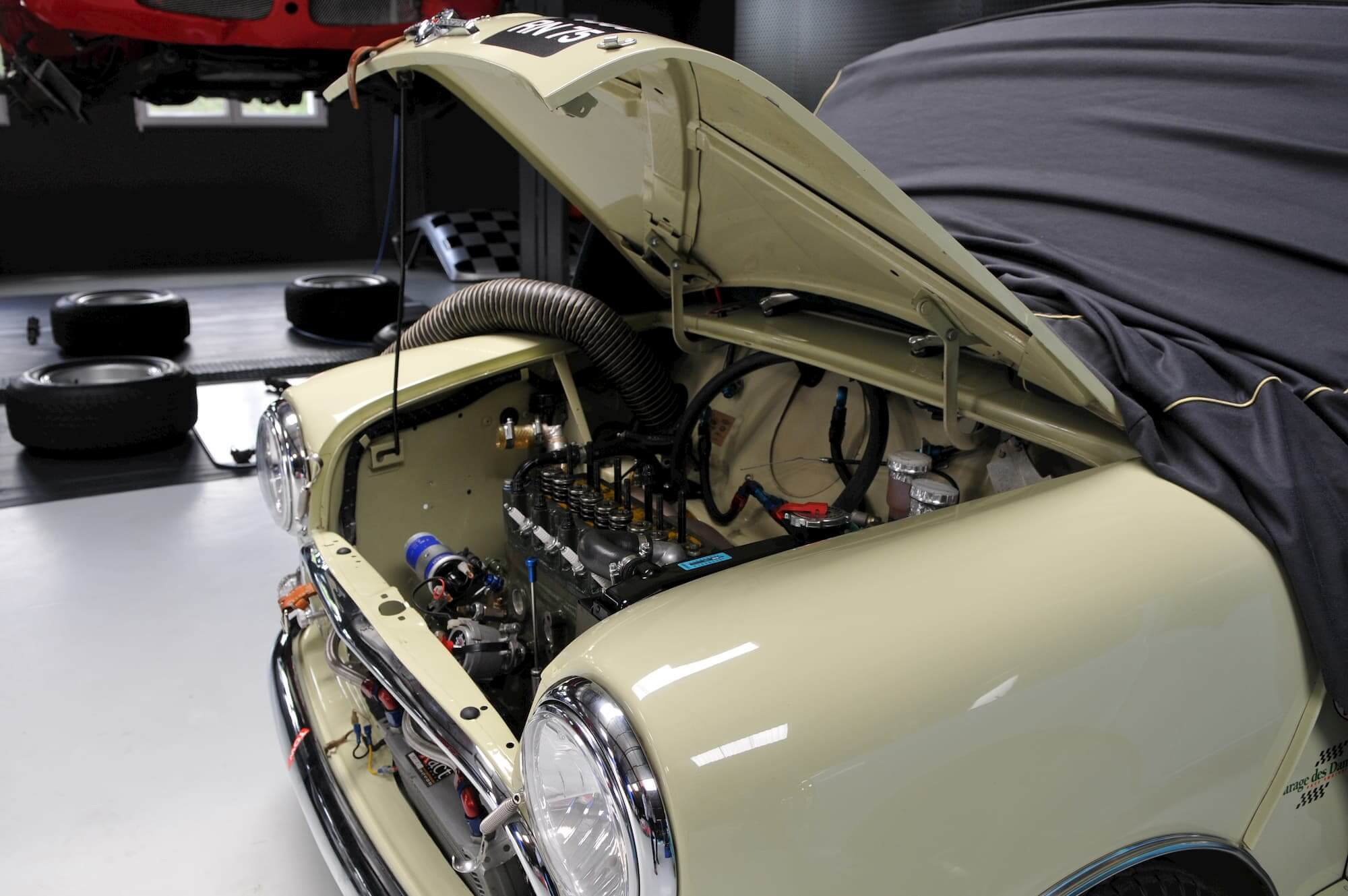 Préparation pour la performance - Austin Mini - Silverstone Classic en Grande bretagne