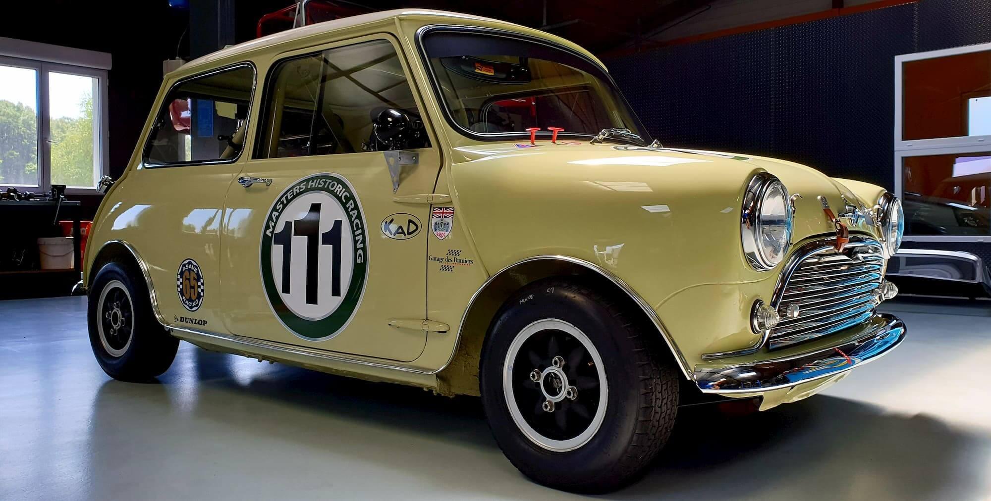 Préparation pour le Silverstone Classic - Austin Mini Cooper S - vintage car